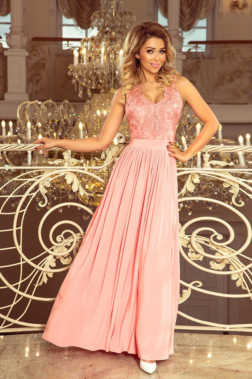 Dlouhé dámské šaty v pastelově růžové barvě bez rukávů a s vyšívaným výstřihem model 7482741 S