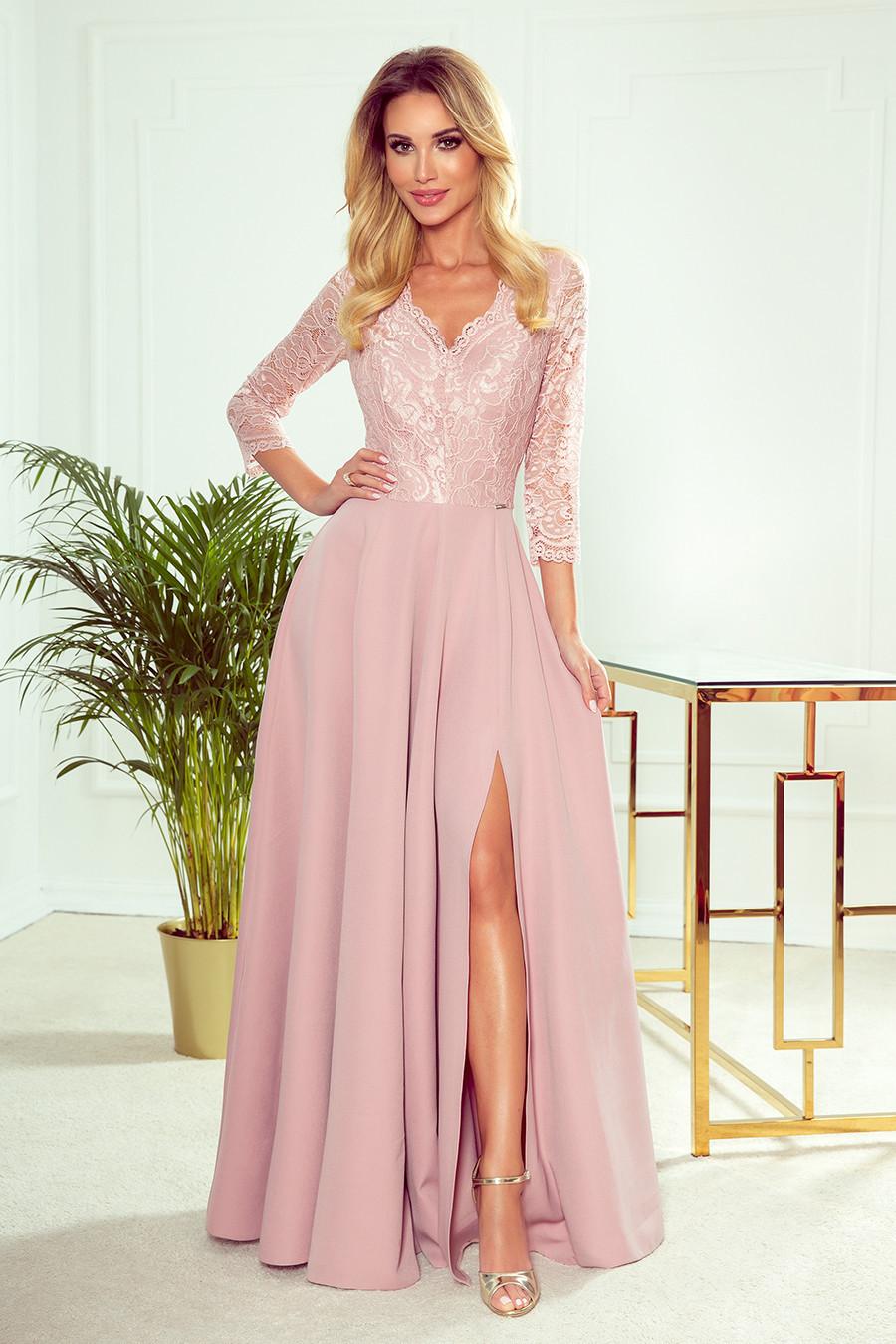 AMBER - Elegantní dlouhé krajkové dámské šaty v pudrově růžové barvě s dekoltem 309-4 M